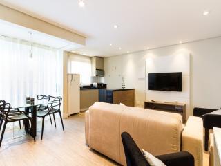 Cozy 1 Bedroom Apartment in Vila Nova - Sao Paulo vacation rentals