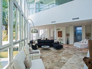 Modern 4 Bedroom Townhouse in South Beach - Miami vacation rentals