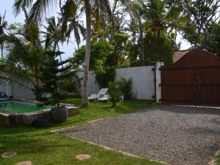 Perfect 2 bedroom House in Unawatuna with Internet Access - Unawatuna vacation rentals