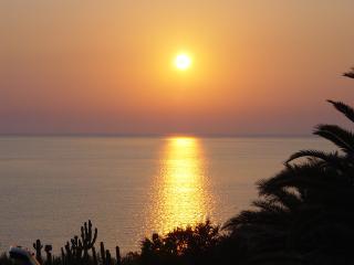 Villetta sulla baia di Makari a due passi dal mare - Macari vacation rentals