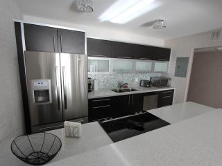 Wonderful 1 Bedroom Bay View Apartment - Sunny Isles Beach vacation rentals