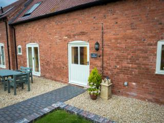 The Swallows Luxury Farm Cottage hottub sleeps 5-7 - Bromsgrove vacation rentals