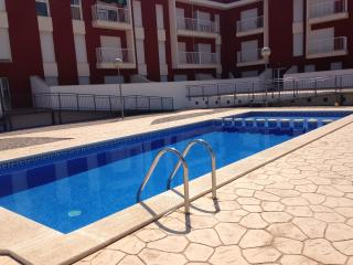 Beautiful 2 bedroom Amposta Apartment with A/C - Amposta vacation rentals