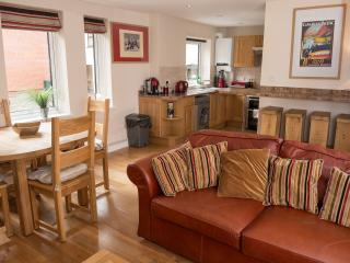 The Sapphire Suite, Luxury Apartment Birmingham, U - Birmingham vacation rentals