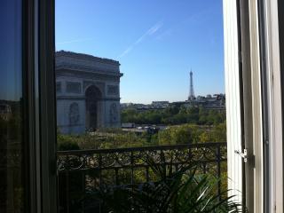 Luxury 2 Bdr 110m2 View Arc de Triomphe - Paris vacation rentals