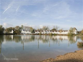 38 Isis Lake - South Cerney vacation rentals