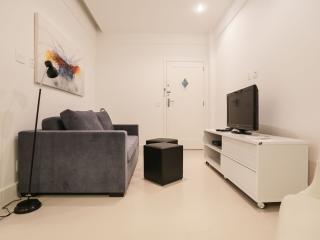 Nice One Bedroom Apartment In Copacabana - #95 - Rio de Janeiro vacation rentals