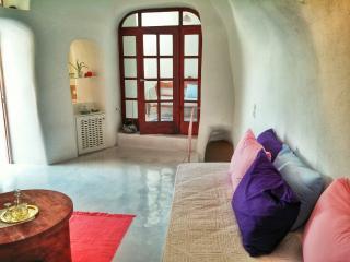 Lithos Cave - Santorini vacation rentals