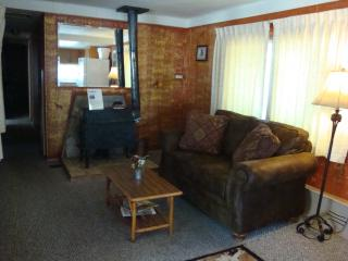 Yellowstone Wildlife Cabins - Wolf Home- Specials - West Yellowstone vacation rentals