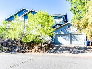 Bend historic district with a private hot tub! - Bend vacation rentals