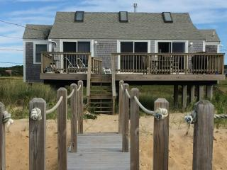 Beautiful 2 bedroom Eastham House with Deck - Eastham vacation rentals