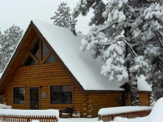 Log Cabin in Munds Park - Northern Arizona and Canyon Country vacation rentals