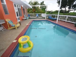 3 bedroom House with A/C in Silver Sands - Silver Sands vacation rentals