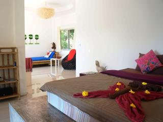 Stylish & Comfortable Apartment on Island Koh Mak - Koh Mak vacation rentals