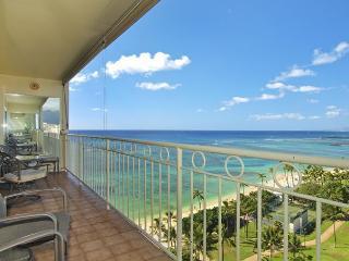 Beachfront 1-bedroom, full kitchen, washer/dryer,  A/C, WiFi, sleeps 4. - Waikiki vacation rentals