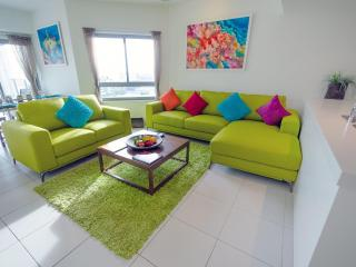 Darwin Executive Penthouses 3 Bed Sleep 8+FREE CAR - Darwin vacation rentals