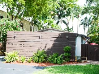 Fab & Cozy Oasis II Villa in FLL & Wilton Manors - Fort Lauderdale vacation rentals