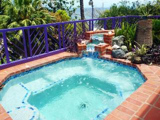 Bright 4 bedroom Villa in Mount Irvine with Internet Access - Mount Irvine vacation rentals