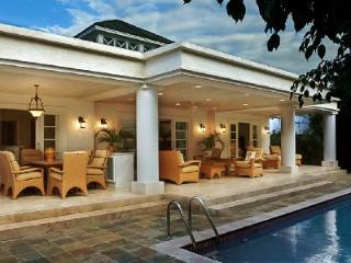 Luxurious villa Coral Breeze with pool in exclusive complex only a short walk to the beach - Terres Basses vacation rentals