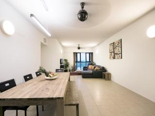 Relaxing 27th floor apartment with 4 bedrooms - Kuala Lumpur vacation rentals