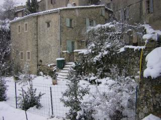 Charming 2 bedroom House in Saignon with Internet Access - Saignon vacation rentals
