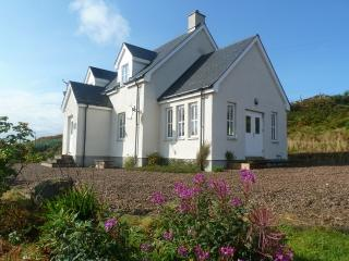 Beautiful Cottage with Internet Access and Outdoor Dining Area - Clachtoll vacation rentals