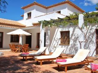 Nice 5 bedroom Villanueva De Algaidas Finca with Internet Access - Villanueva De Algaidas vacation rentals