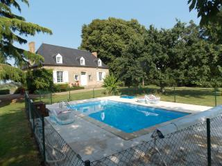 Bright 5 bedroom Le Mans House with Internet Access - Le Mans vacation rentals