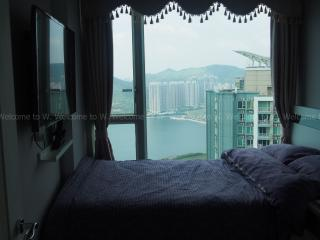AMAZING Top Floor CHILL Room - Hong Kong vacation rentals