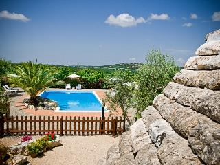 Trulli il Castagno: holiday home with one bedroom - Martina Franca vacation rentals