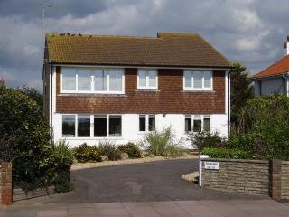 Nice 2 bedroom Condo in Worthing with Internet Access - Worthing vacation rentals