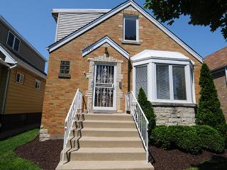 O'hare Fully Equipped home - Car Included - Lake Forest vacation rentals