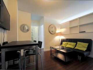 15M- 2 Bedrooms in Full Service Building - New York City vacation rentals