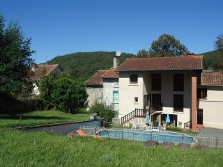 La Maison Famille - 18th Century Farmhouse - Durban-sur-Arize vacation rentals