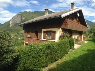 4 bedroom Chalet with Internet Access in Brides-les-Bains - Brides-les-Bains vacation rentals