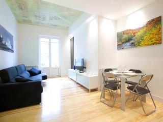 2 bedroom Condo with Internet Access in San Sebastian - San Sebastian vacation rentals
