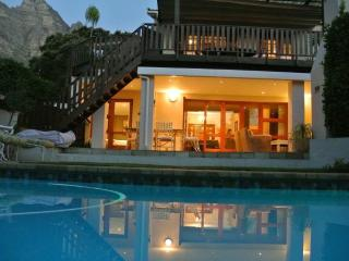 Perfect 4 bedroom Camps Bay House with Internet Access - Camps Bay vacation rentals