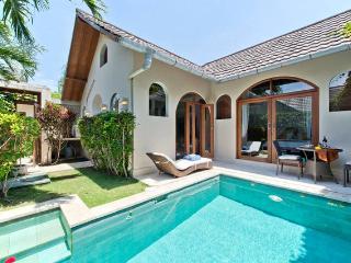 Villa Cahaya, amazing privatepool villa KUTA BALI - Seminyak vacation rentals