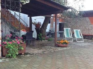 Vacanze Paradiso App. Rosa - Neviano vacation rentals