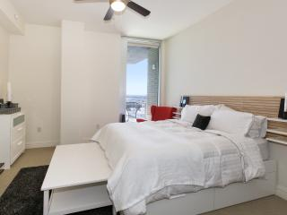 Red and White Lux Suite in Downtown! - Austin vacation rentals