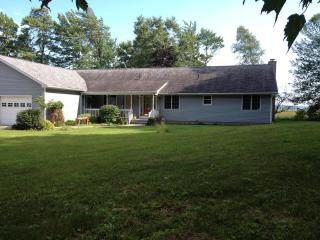 Nice House with Internet Access and Porch - Gladstone vacation rentals