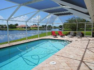 Blue Oasis - SW Cape Coral 3b/2ba Elect Heated Pool, Gulf Access Canal, HSW Internet, Boat Dock, 2 kayaks with small lift, 2 bicycles - Cape Coral vacation rentals