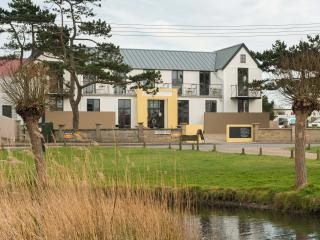 MODERN WATERVIEW LOFT APARTMENT - Thorpeness vacation rentals