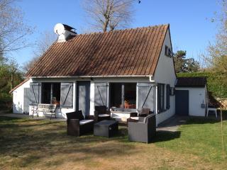 Villa au calme dans grand jardin à Oostduinkerke - Koksijde vacation rentals