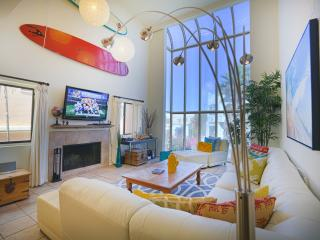 Stunning Beach Condo w/ Game Room 1/2 blk to Sand - Los Angeles County vacation rentals