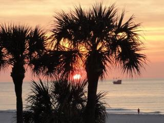 Affordable Luxury Directly On The Gulf Of Mexico. - Clearwater vacation rentals