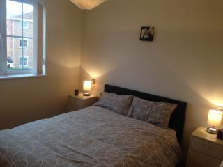 Comfortable Apartment that sleeps 6 in Doncaster - Doncaster vacation rentals