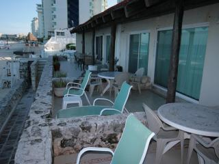 Beautiful Condo 4001  at Cancun PLaza Ocean Front! - Cancun vacation rentals
