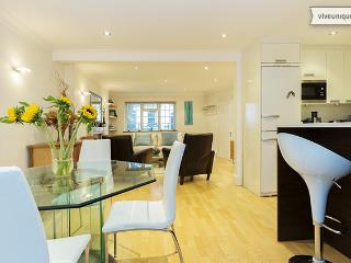 Smart 3 bedroom, Huntingdon Street, Islington - London vacation rentals