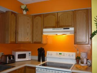 2 miles beach-walk to resto 2 bed cozy townhouse - Surfside Beach vacation rentals